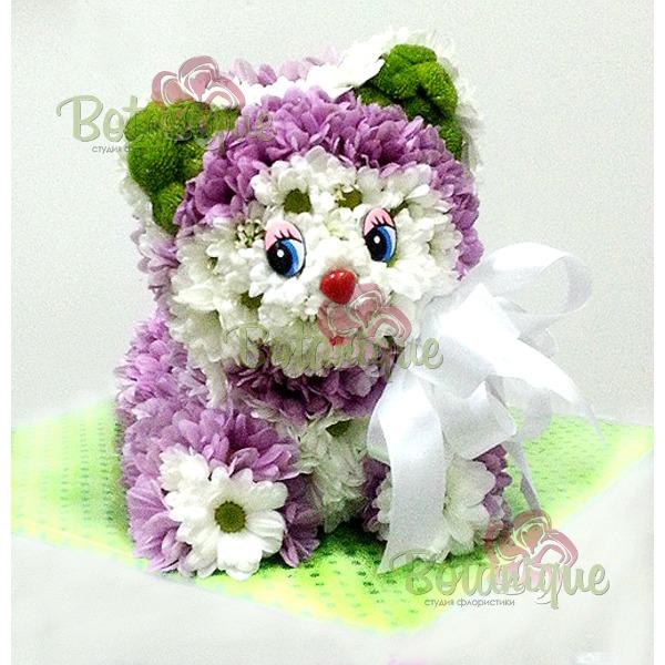 Кот из хризантем